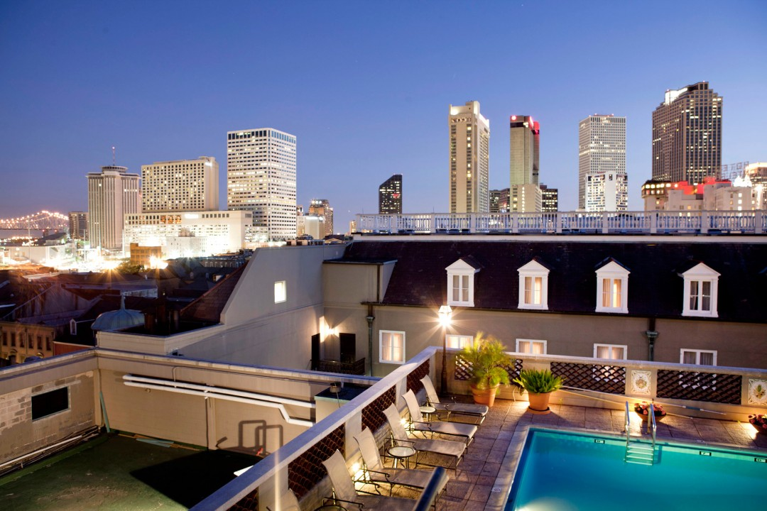 USA, Amerika, United States of America, Louisiana, New Orleans, French Quarter, Hotel Royal Orleans, Dachterasse, Pool, Daecher, Hochhaeuser Hotels an der Canal Street,
