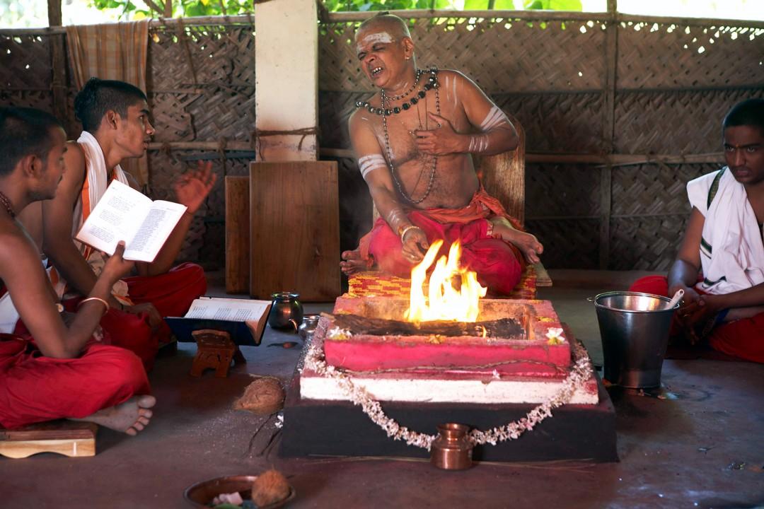 Indien, Karnataka, Gokarna, Kashi Vishwanatha Temple. Yagnas, Feuer Zeremonien zum zehnjaehrigen Bestehen des Tempels