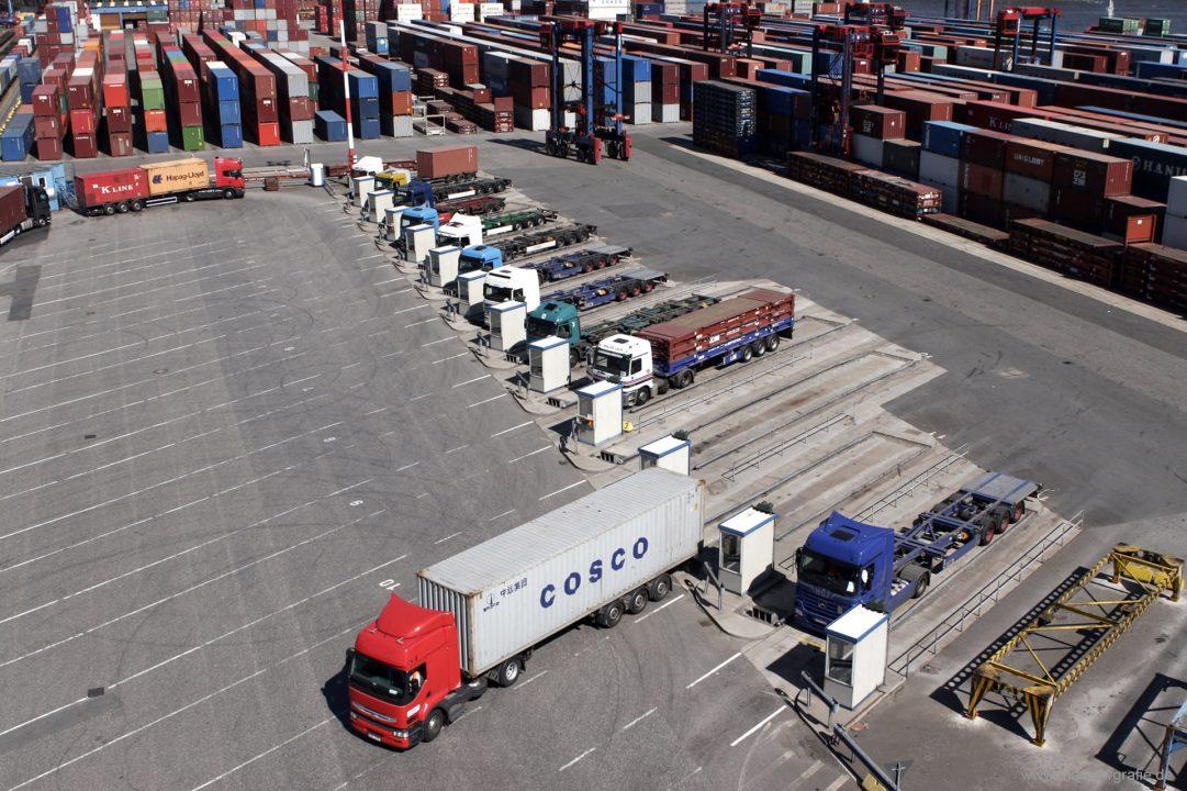 Deutschland Hamburg Hamburger Hafen Elbe Container Terminal Tollerort HHLA