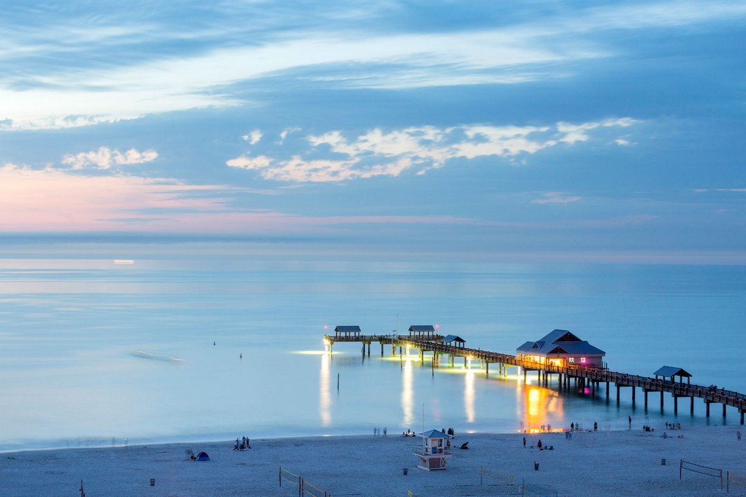 Reise Travel  laif creative USA  Amerika, United States of America, Florida, Golf von Mexico, Golfkueste, Golf von Mexico, Clearwater Beach Pier Strand Meer Blick vom Hotel Pierhouse 60 (101 Coronado Drive, Clearwater Beach FL 33767)