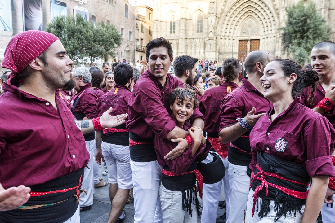 Europa Spanien Katalonien Barcelona Barri Gotic Gotisches Viertel Altstadt Katalanisches Fest Fest la Catalania vor dr Kathedrale Menschentuerme Akrobatik gemeinsam Tradition Kraft