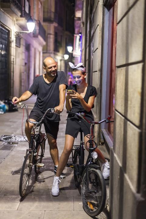 Europa Spanien Katalonien Barcelona Barri Gotic Gotisches Viertel Gassen Nacht Touristen