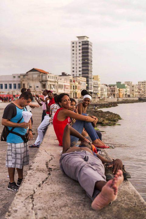 Antillen, Karibik, Cuba, Kuba, Republica de Cuba, Sozialismus, Nordwest Kuba, Havanna, Malecon, Promenade am Meer, gegenueber vom Castillo del Morro