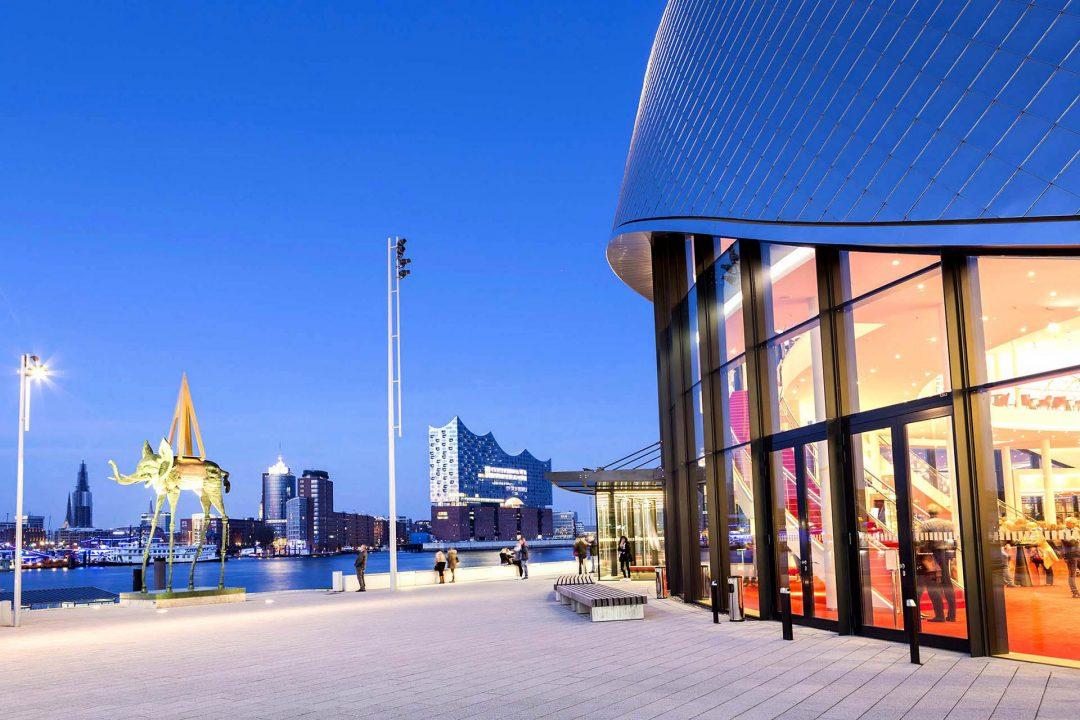 Europa, Deutschland, Hamburg, Sankt Pauli, Steinwerder, Musical Theater am Hafen, Elbe, Hafen, Elbphilharmonie, Landungsbruecken,