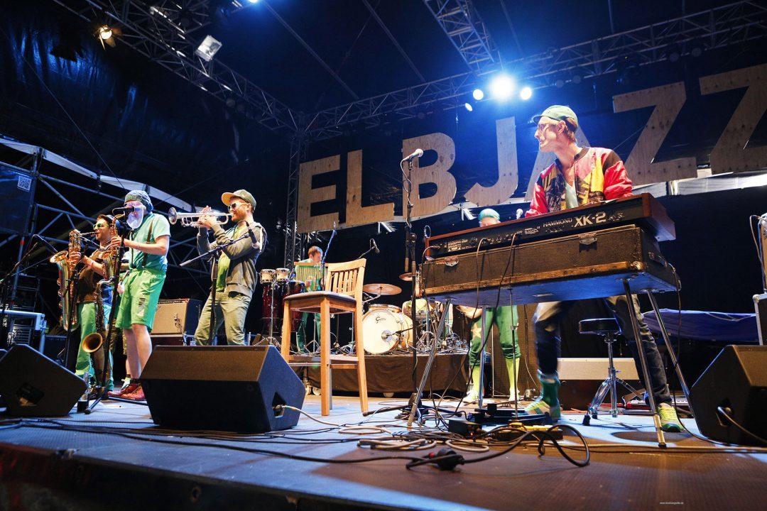 laif creative reise travel Europa; Deutschland; Hamburg, Elbjazz Festival, Blohm und Voss, Werft Konzerte Am Helgen Buehne Diazpora Feat. Pee Wee Ellis 30_05_2015