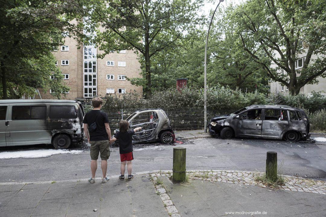 Deutschland; Europa; Hamburg, G20, 08.07.2017, ausgebrannte Autos, Altona, Warnholzstrasse, Anwohner,   G20 Summit,