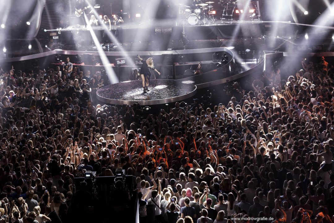 Global Citizen Festival on 06.07.2017, the night before G20 Summit, in the Barclaycard Arena in Hamburg. The performing artists, Ellie Goulding,  The festival is organized by the social action platform Global Citizen.