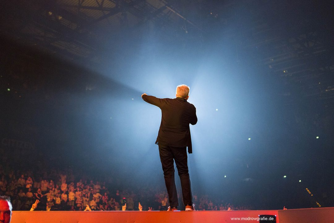 Germany, Hamburg, Barcley Card Arena, Volkspark, Concert, Global Citizen Festival on 06.07.2017, the night before G20 Summit, in the Barclaycard Arena in Hamburg. The performing artists are  Herbert Grönemeyer . The festival is organized by the social action platform Global Citizen.