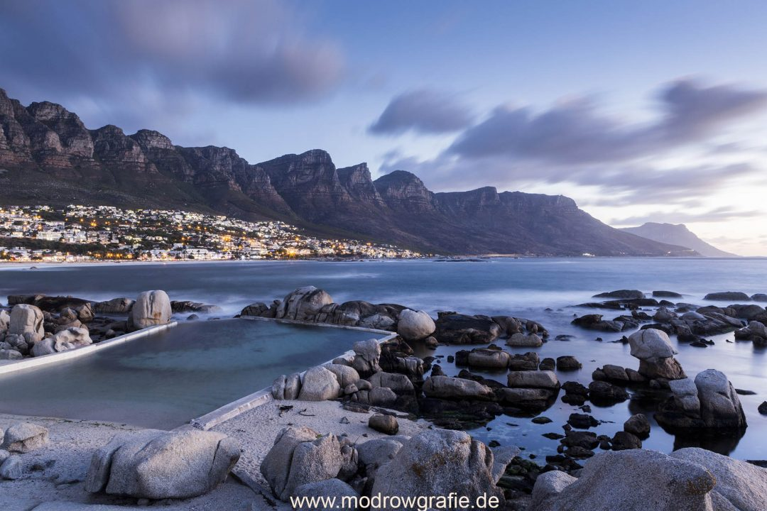 Suedafrika, Kaphalbinsel, Kapstadt, Camps Bay, Afrika, Bergkette
