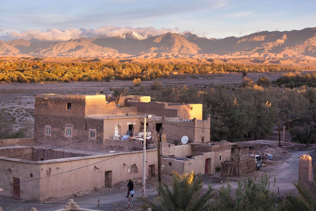 Koenigreich Marokko, Ebene zwischen dem Hohen Atlas Gebirge und Anti Atlas, Dades Valley, bei Skoura, Blick vom  Kashbah Hotel, Ksar Elkab Baba,