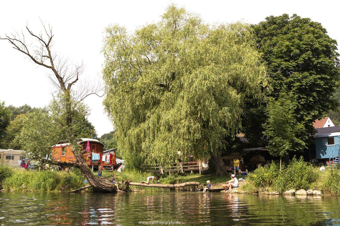 Europa, Deutschland, Donau, Baden-Wuerttemberg, bei Hausen, Kanu, Wasserwandern, Naturpark Obere Donau, Campingplatz Wagenburg, Camping, paddeln, Kanuten,