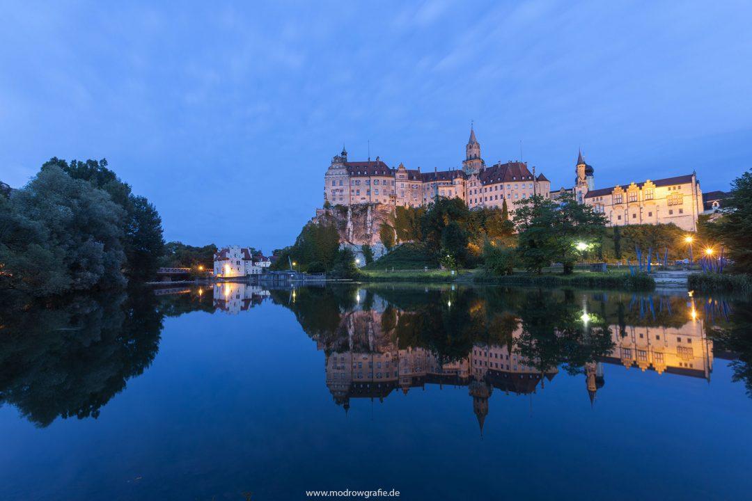 Europa, Deutschland, Donau, Baden-Wuerttemberg, Sigmaringen:13.Hohenzollernschloss (www.hohenzollern.com) abend, Spiegelung,